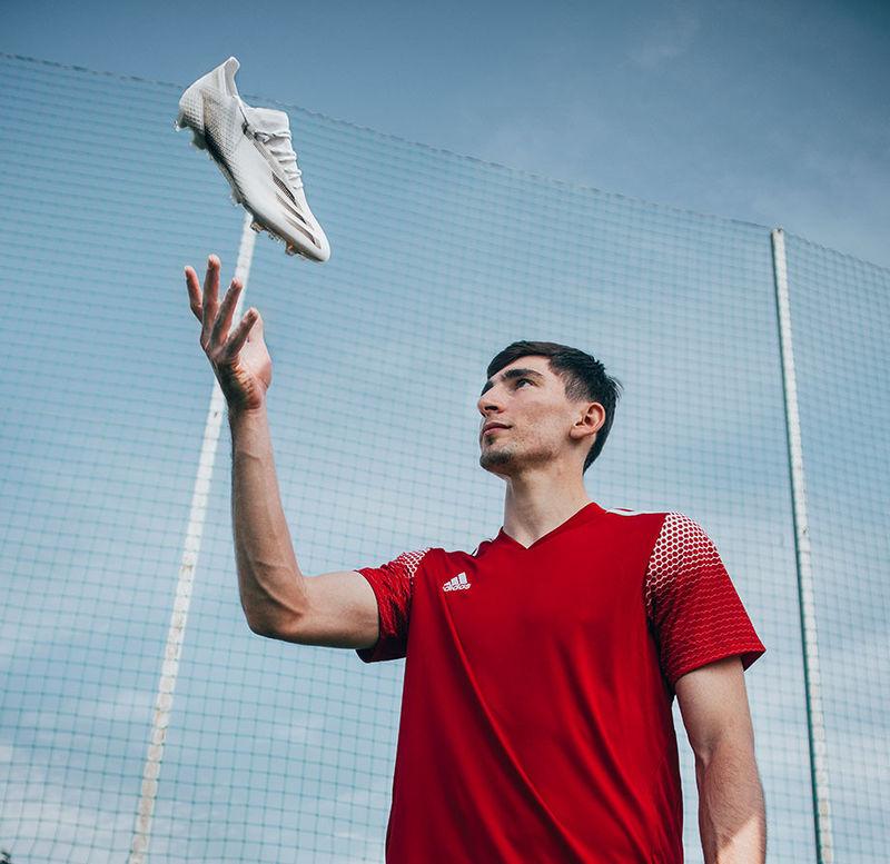 Зелимхан Бакаев в бутсах X Ghosted от adidas